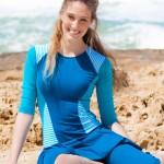 בגד ים צנוע כחול עם פסים