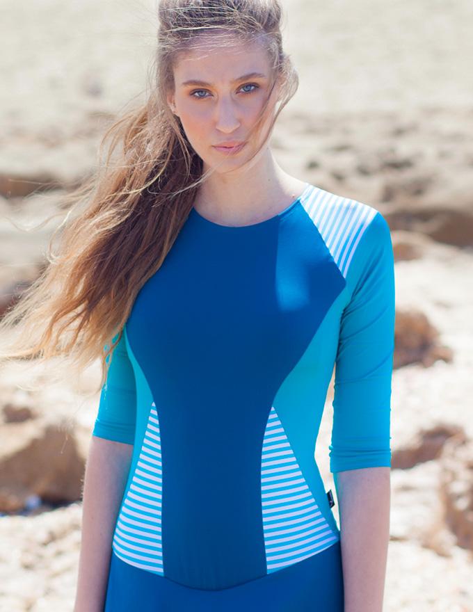 בגד ים צנוע בצבעי כחול תכלת ופסים - לחצי למחיר